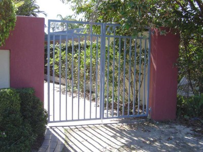Custom Powder Coated Fencing