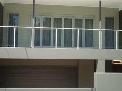 Design 5 Framed Glass Balustrade
