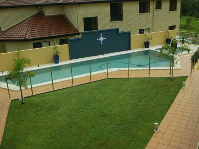 Glass Pool Fencing Semi Frameless Design 8-3