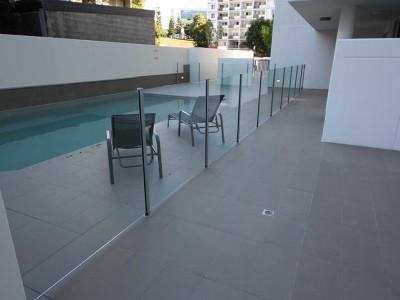 Glass Pool Fencing Semi Frameless-3