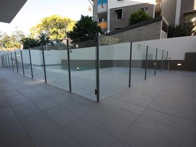 Glass Pool Fencing Semi Frameless-4